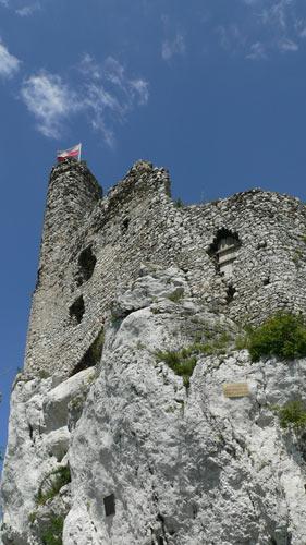 Wieża ruin w Mirowie fot. Lowell