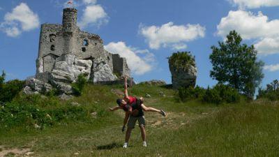 Ruiny zamku w Mirowie  i my fot. Dorota