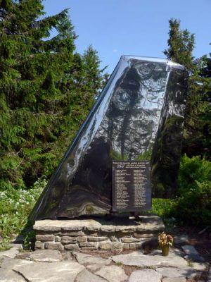 Pomnik poświęcony ofiarom katastrofy