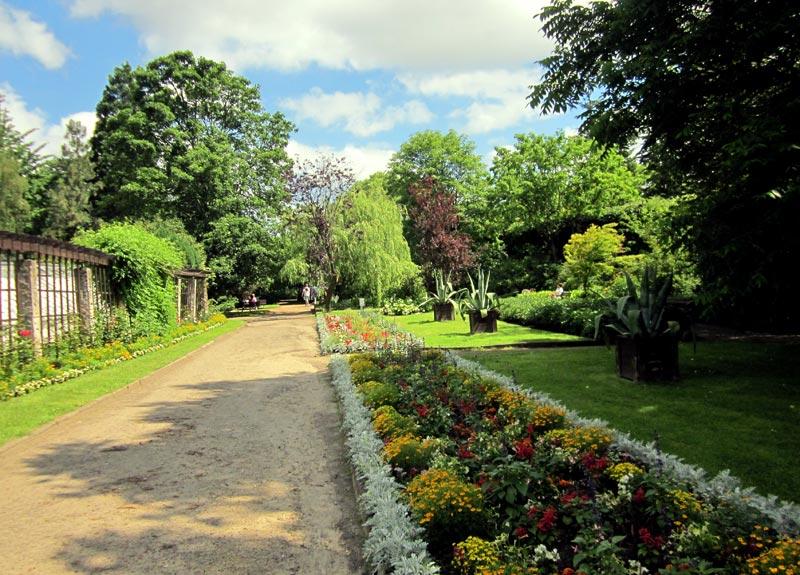 Parter kwiatowo-trawnikowy