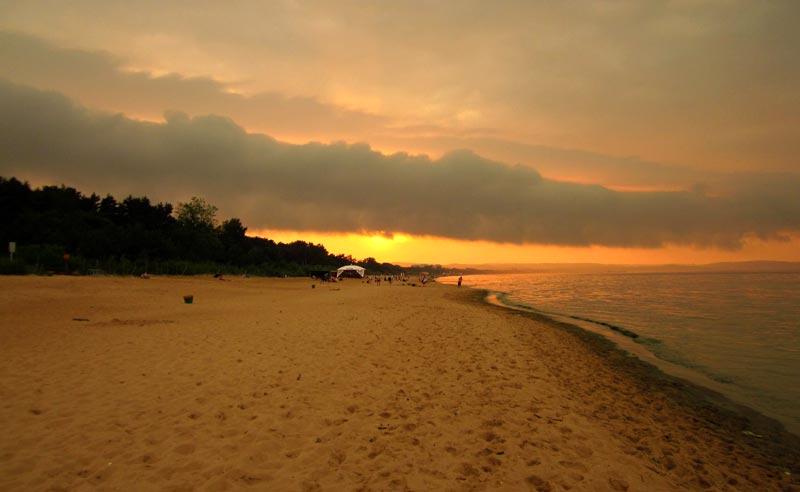 Zachód Słońca na plaży w Gdańsku